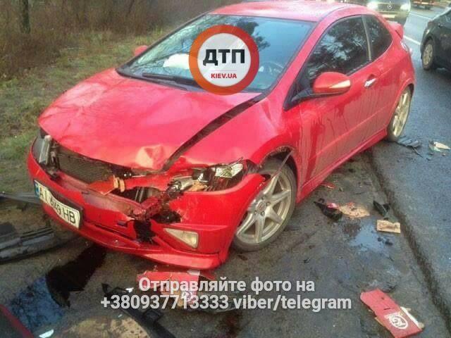 Масштабное ДТП в Киеве. В результате столкновения 5 авто есть погибший и пострадавшие