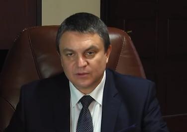 Блогер узнал, что Леонид Пасечник после майских праздников может перестать быть главарем