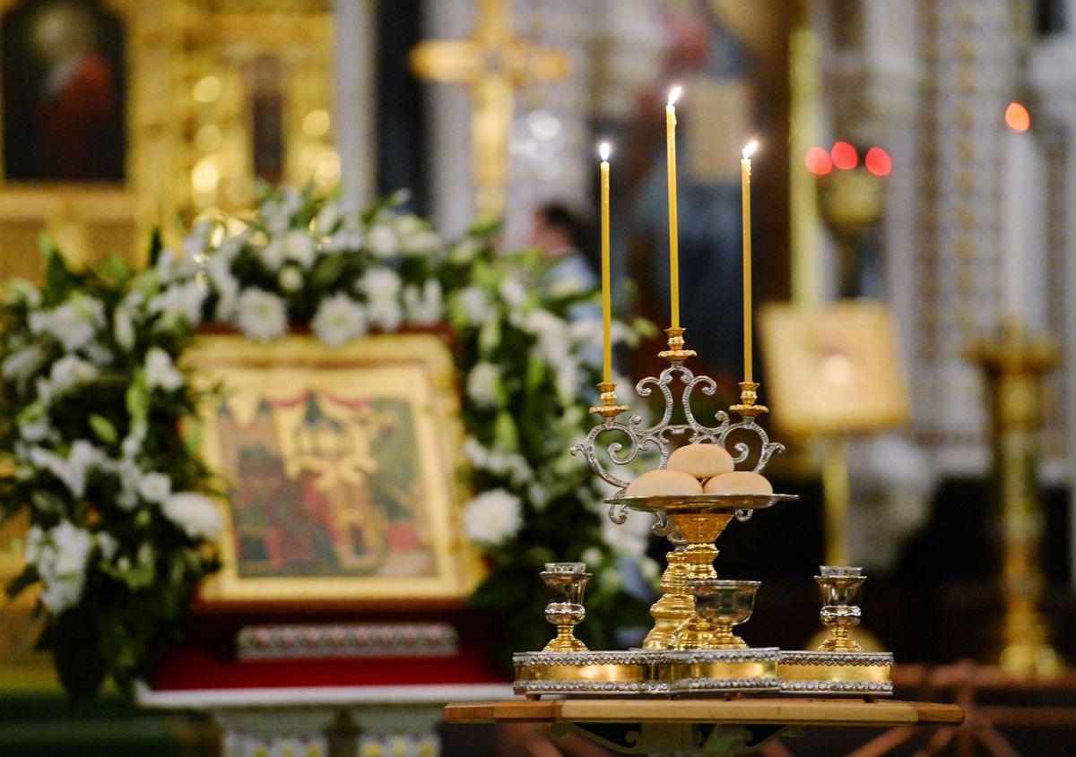Православные христиане празднуют Введение во храм Пресвятой Богородицы