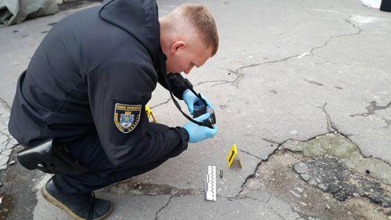 Стрельба и погоня. В Николаеве бандиты ограбили ювелирный магазин и скрылись от полиции