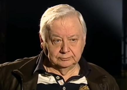 Олег Табаков якобы никого не узнает