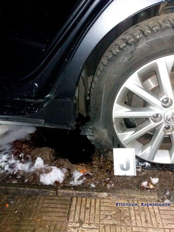 В Харькове взорвали авто с майором полиции, опубликованы фото и видео с места происшествия