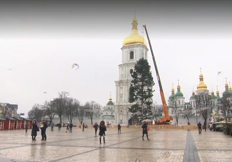 Ряду интернет-пользователей не понравилась главная новогодняя елка страны