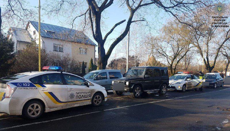 Похищенного мужчину затолкали в Mercedes