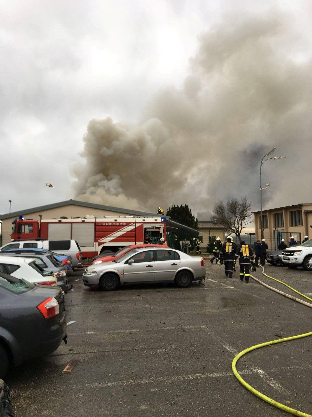 Облако дыма и расплавленные авто. В Австрии в результате взрыва на газопроводе есть жертвы