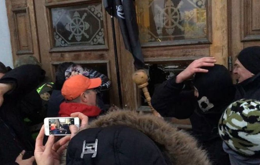 Попытка штурма Октябрьского дворца