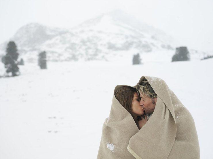 Занимаются сексом зимой