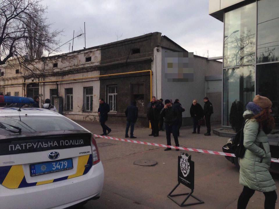 """Стрельба в Одессе, полиция ввела в городе оперативный план """"Гром"""", фото, видео"""