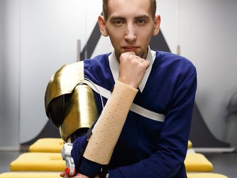 Победителем конкурса стал 23-летний киевлянин Антон Головаченко.