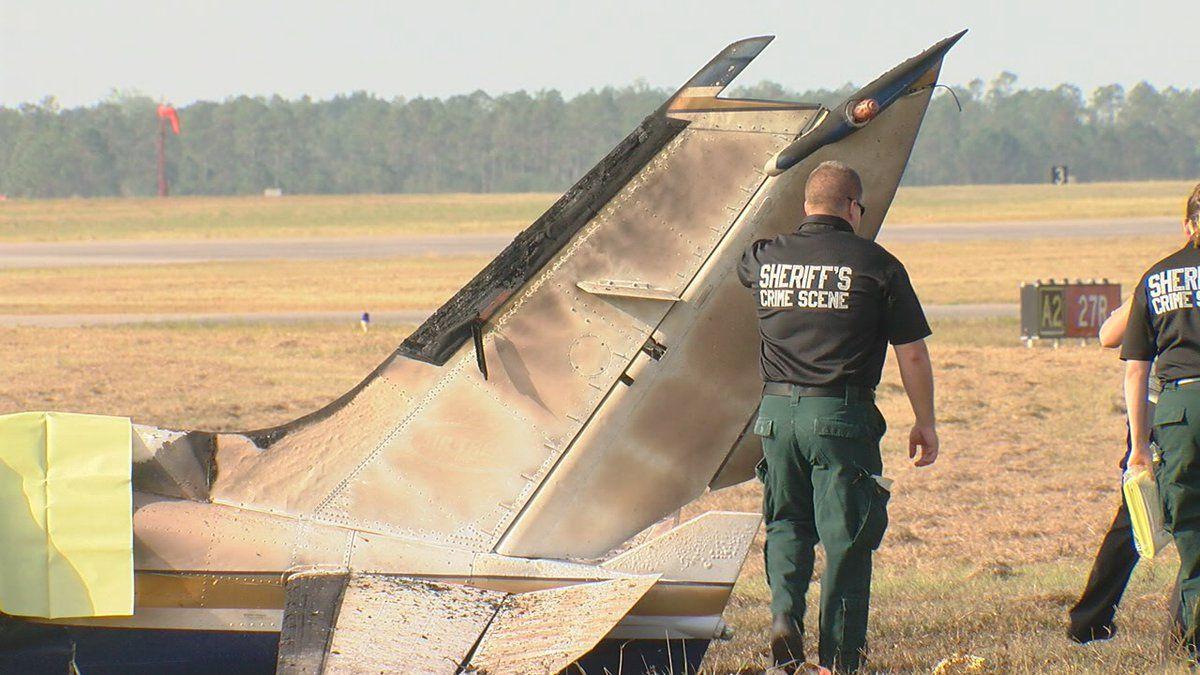 В США самолет рухнул на взлетной полосе