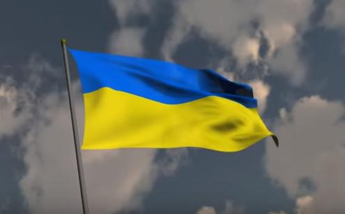 Украина вынуждена реагировать на угрозы своей безопасности по трем основным измерениям, отметил европосол