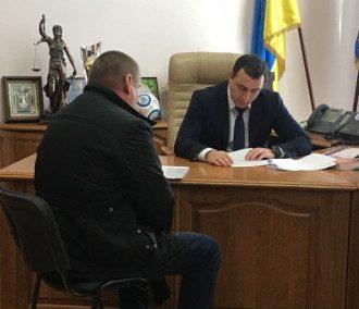 Депутату сообщили о подозрении в хулиганстве