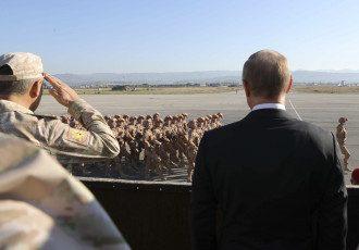 До выборов в РФ осталось меньше месяца, а ситуация на Ближнем Востоке становится все более напряженной