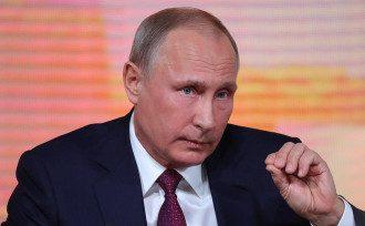 Влад Росс сказал, что для Владимира Путина очень опасен август