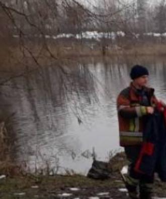 Спасатели узнали о страшной находке в столичном озере сегодня утром
