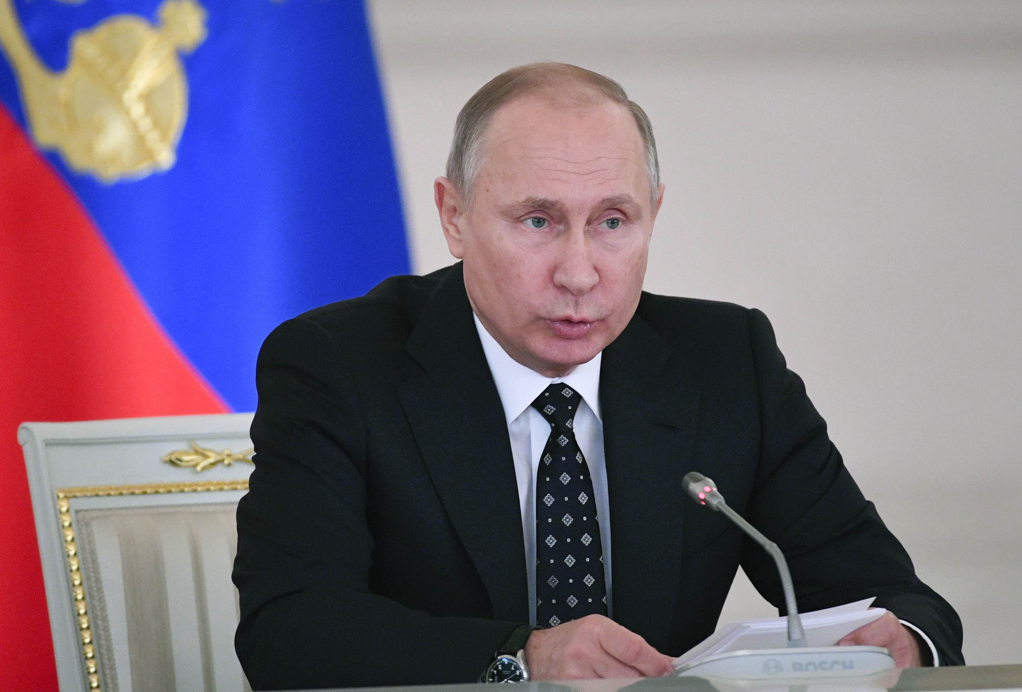 Путинская система держится на Владимире Путине, отметил историк