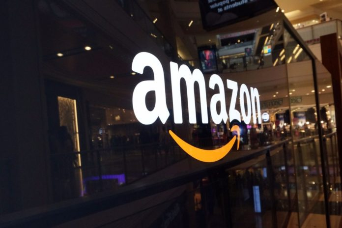 Amazon стоит много. Но - меньше, чем Apple