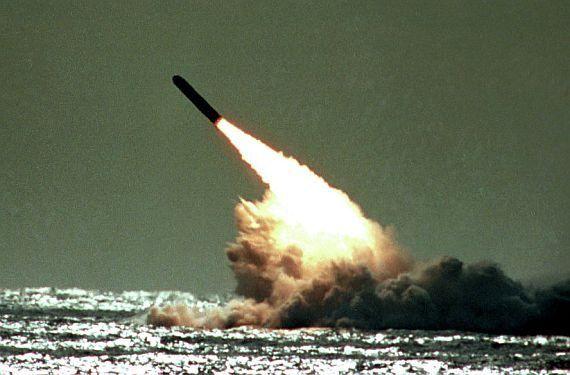 США разработают новую ядерную боеголовку