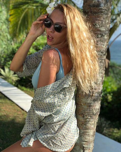 Оля Полякова выложила в Сеть новые фото