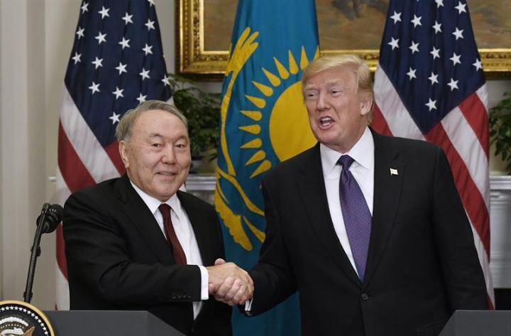 Назарбаев и Трамп обсудили перенос переговоров по Донбассу из Минска в другой город. Фото: EPA-EFE