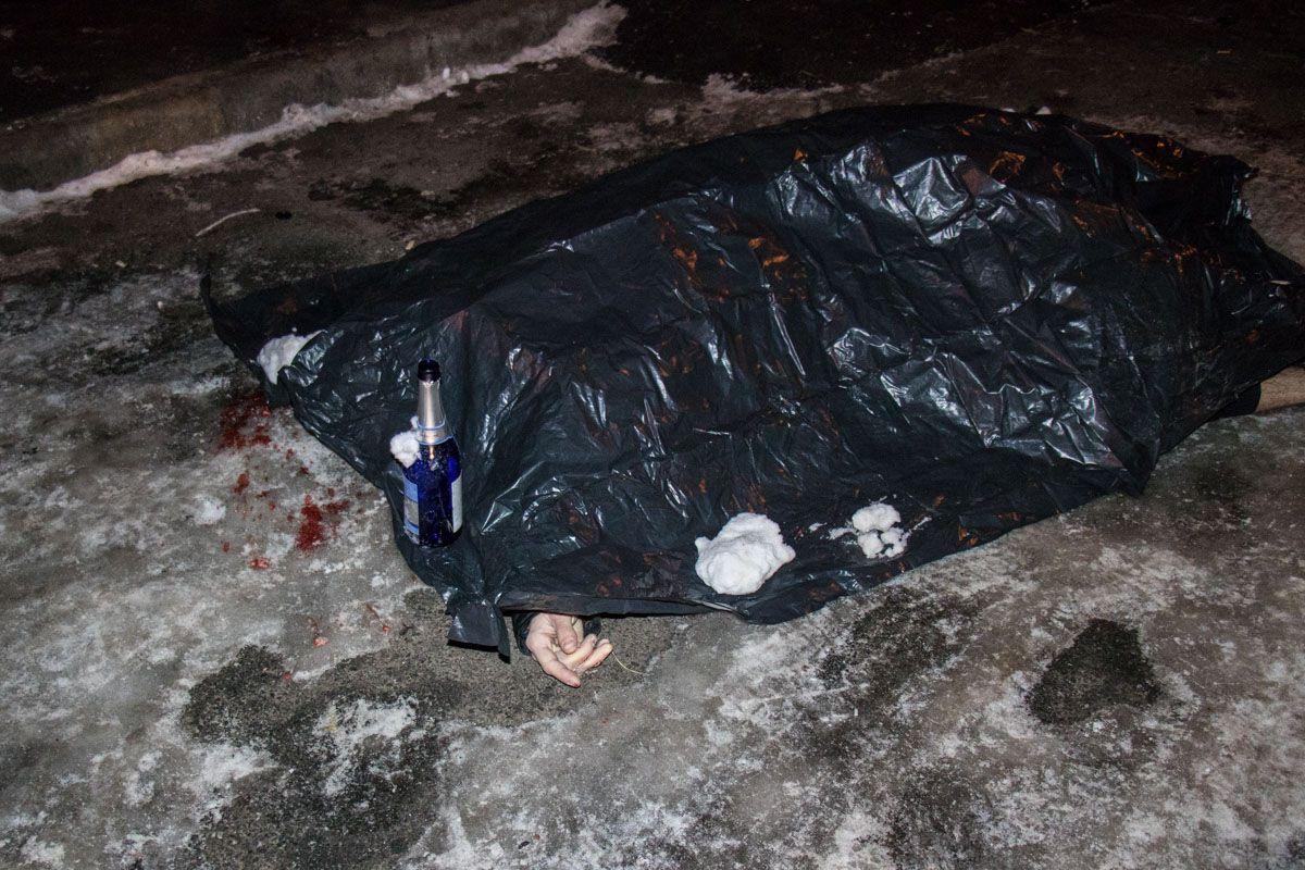 По предварительным данным, в столице парень покончил с собой