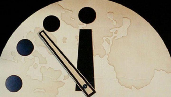 «Часы Судного дня» - проект «Журнала Чикагского университета»