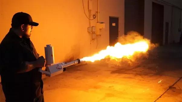 Огнемет производства компании Илона Маска