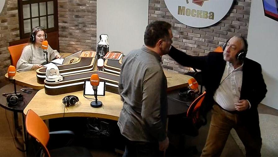 Журналисты Максим Шевченко и Николай Сванидзе подрались в прямом эфире Фото: Радио