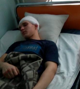 Пострадавшему сделали операцию, сказала его мать