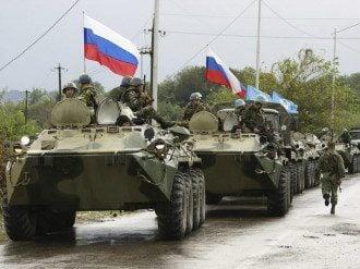 Росія стягує військову техніку до українського кордону