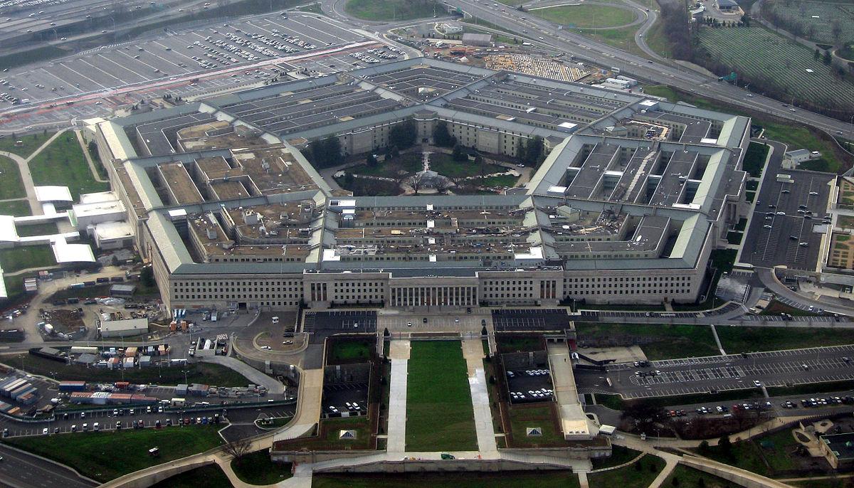В Сирии нанесены удары, в частности, по складу химоружия, сказал глава Пентагона