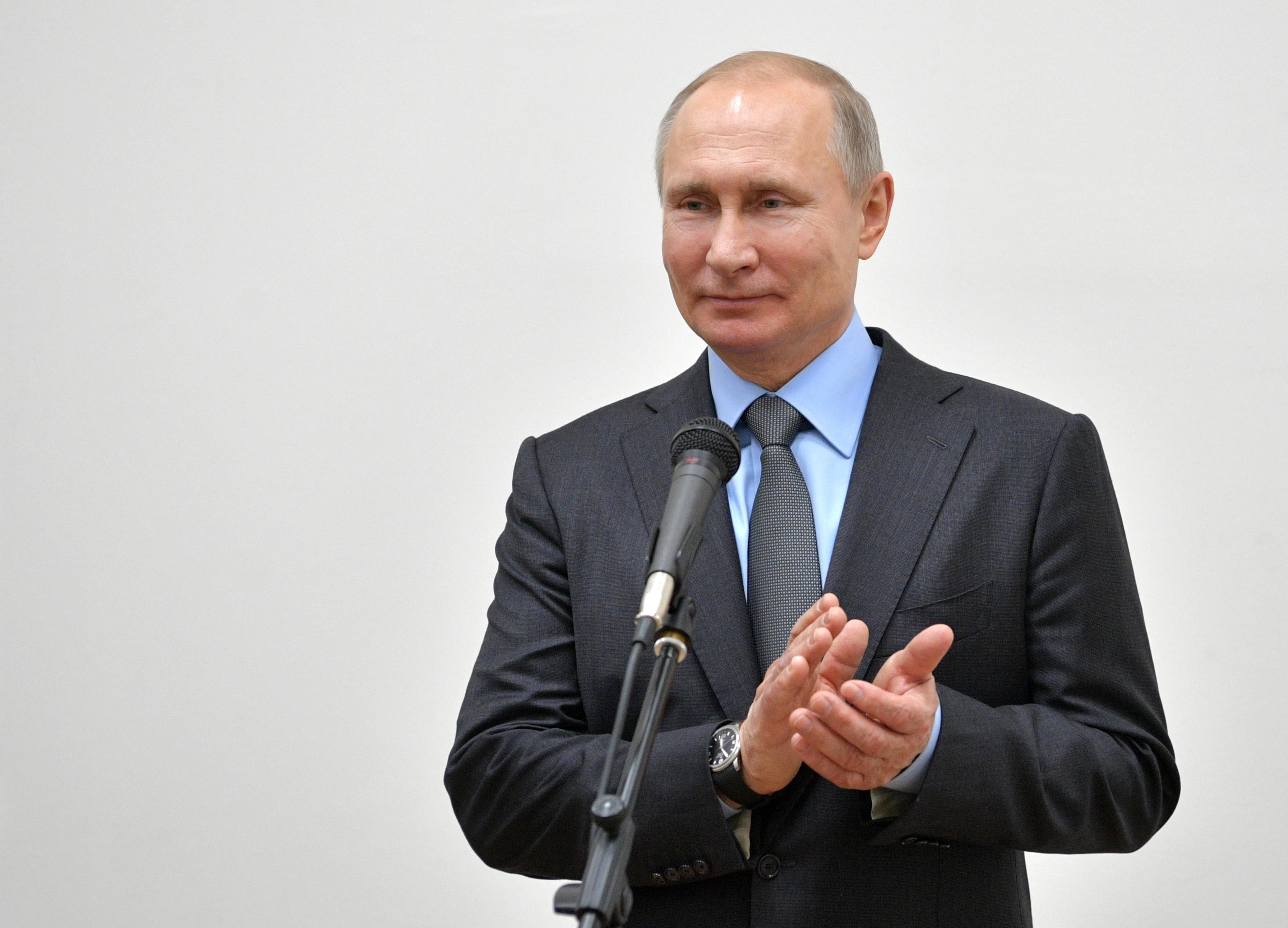 Очень сложно рисовать реальное восприятие Владимира Путина, отметил эксперт