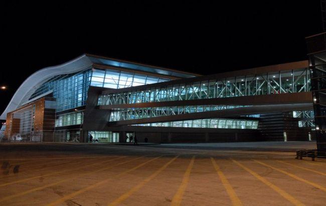 В аэропорту Тбилиси были мобилизированы экстренные службы Фото: uk.wikipedia.org