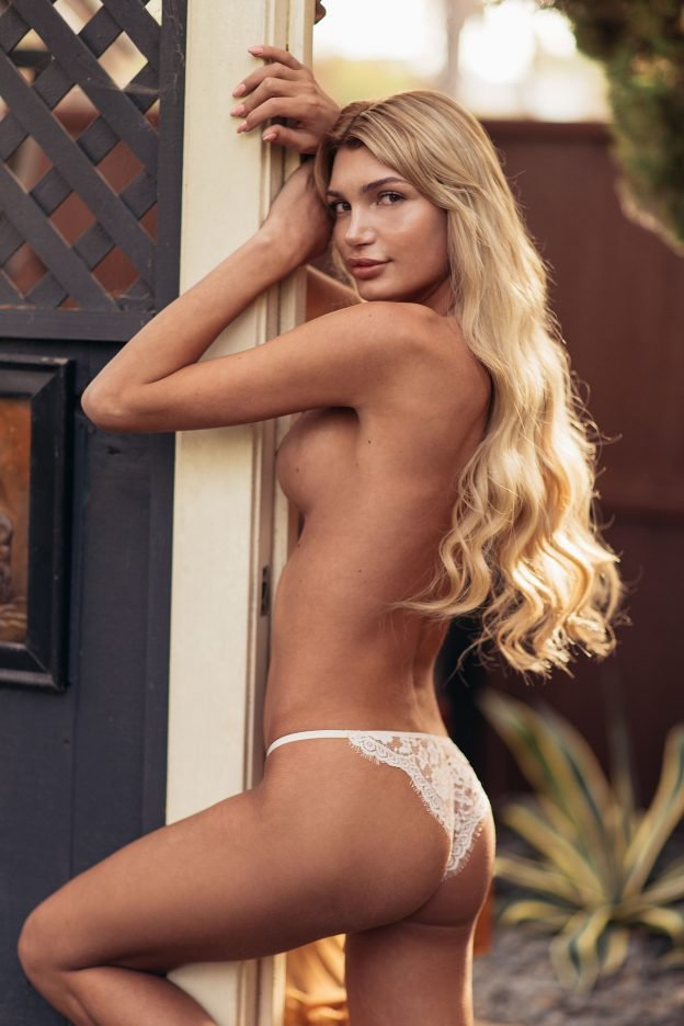 pleyboy-eroticheskie-foto-modeli