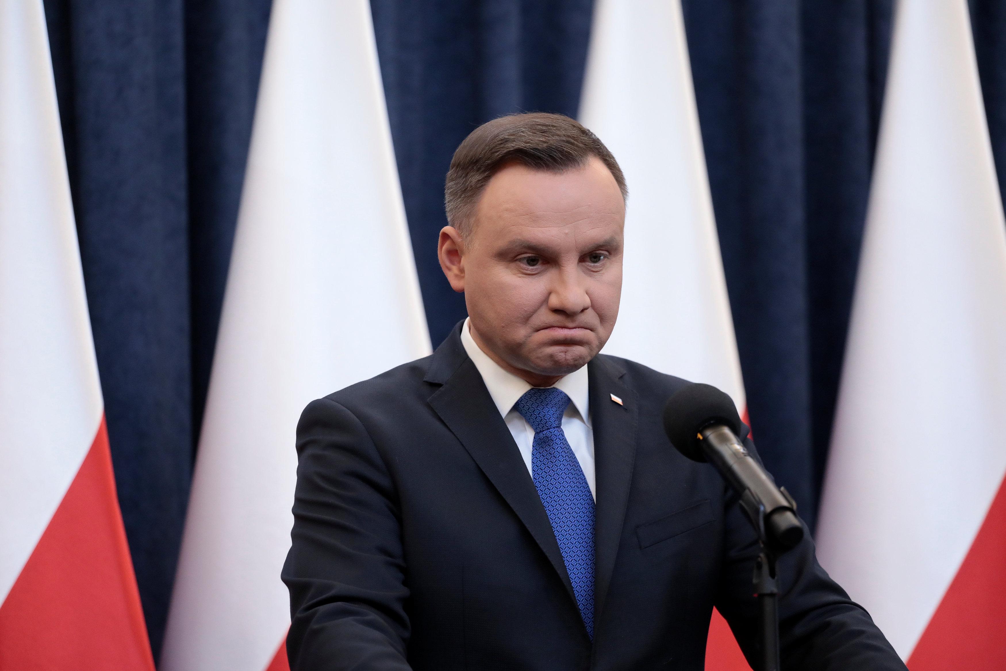 Анджей Дуда решил одобрить скандальный польский закон
