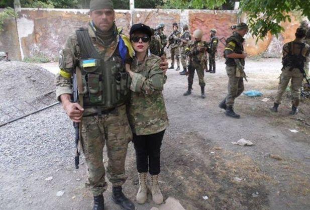 Додо обучала украинских добровольцев на Донбассе.