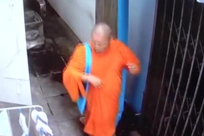 Полиция объявила монаха в розыск.
