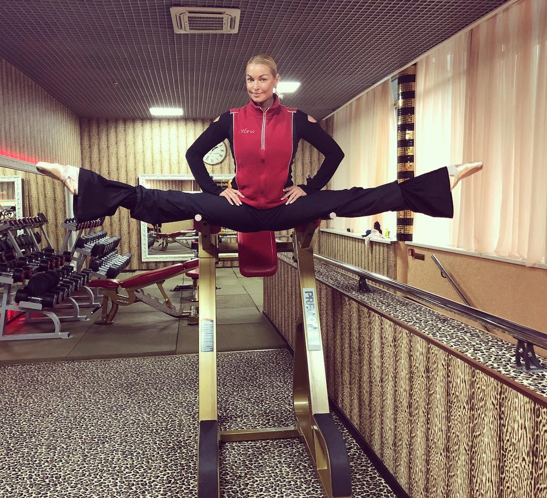 Анастасия Волочкова показала необычную тренировку