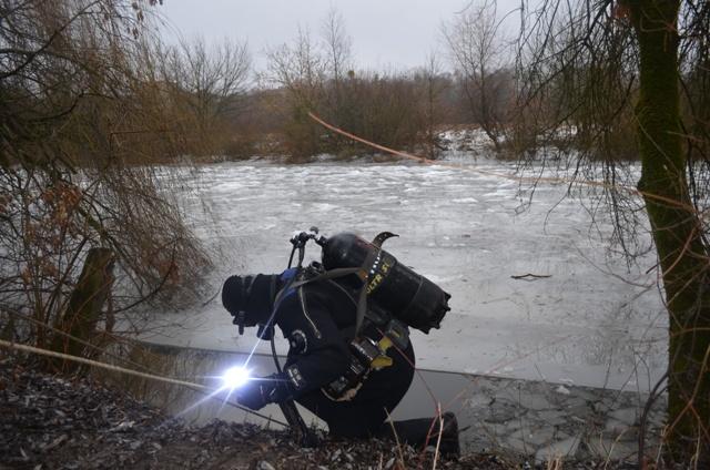 Тело мальчика из реки достали водолазы-спасатели