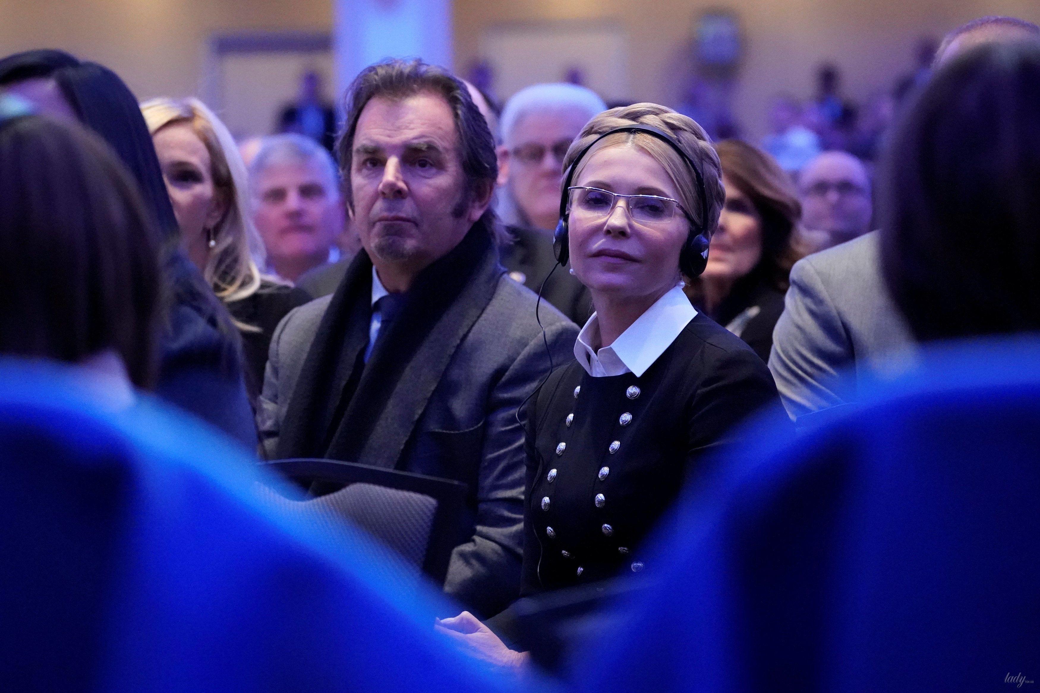 Свою косу Тимошенко носит годами.