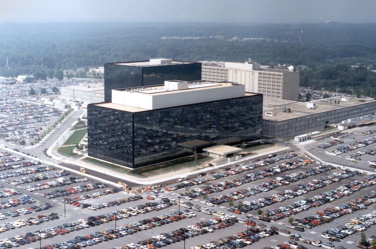 Гражданин РФ получил от спецслужб США 100 тысяч долларов. Фото: REUTERS