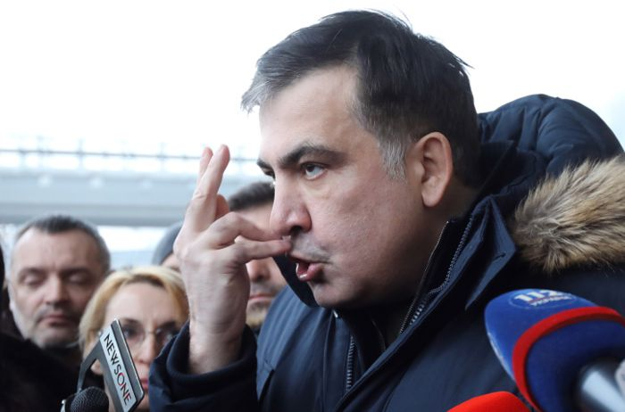 Украинские власти принудительно посадили Михаила Саакашвили на самолет и отправили в Польшу.