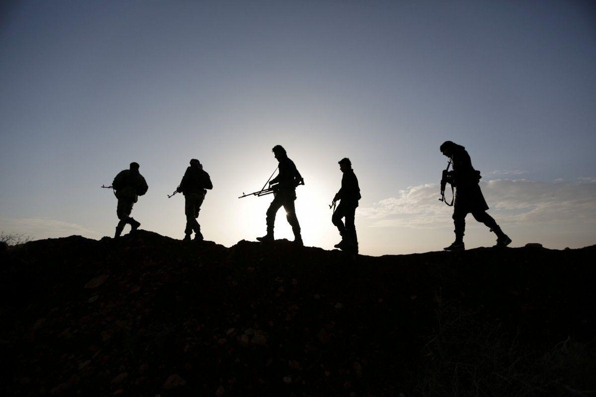 Коалиция нанесла удар по проправительственным силам в Сирии, среди погибших – российские наемники. Фото: REUTERS