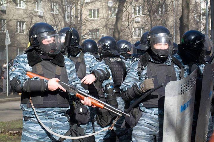 Силовики во время силового разгона Евромайдана