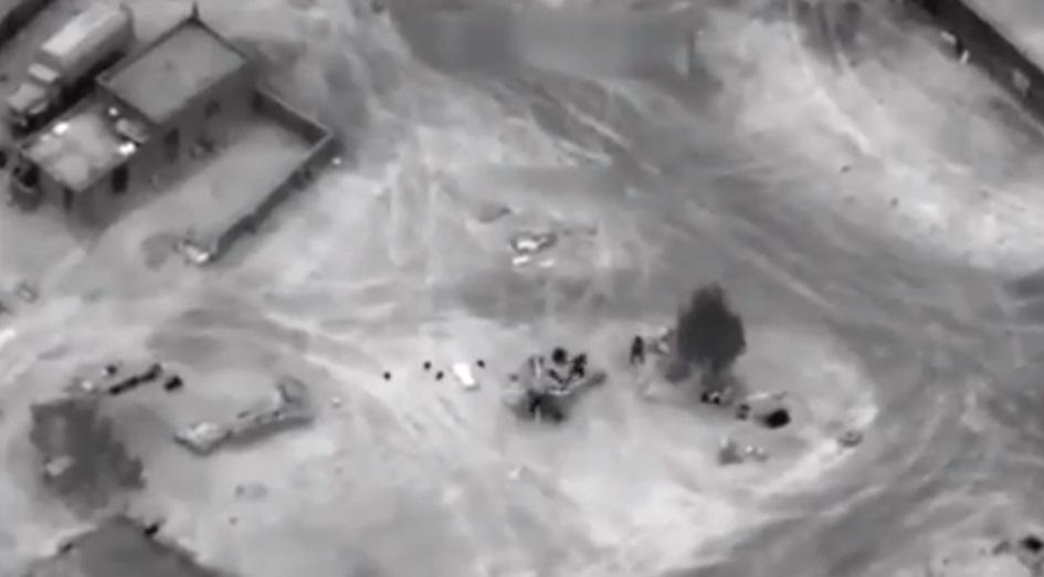 Коалиция нанесла удар по проправительственным силам в Сирии, среди погибших, вероятно, российские наемники. Фото: скрин видео Youtube