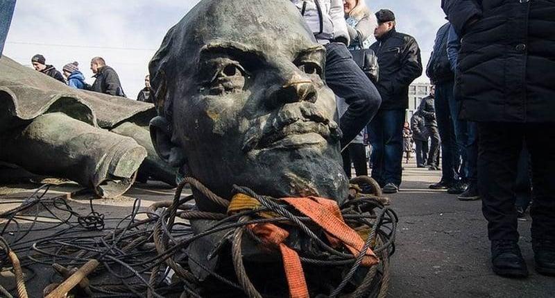 Декоммунизация в Украине только начинается