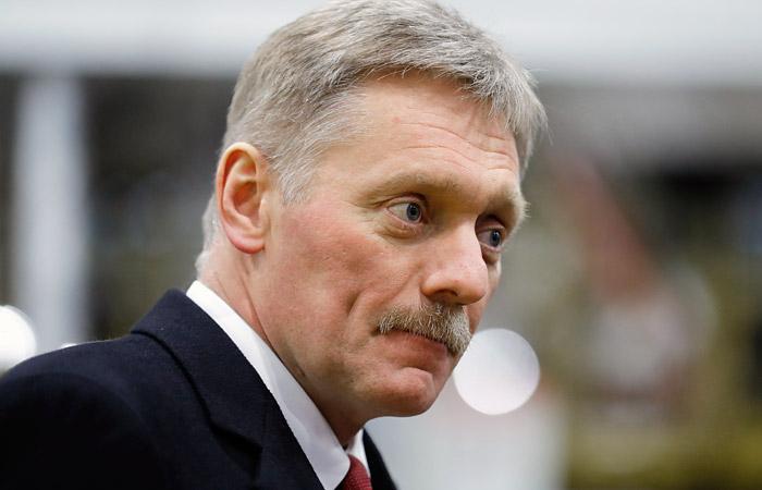 Песков прокомментировал просьбу матери Сенцова об его помиловании.