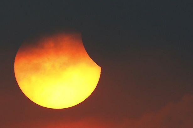 Затмение будет неполным. Фото: Reuters