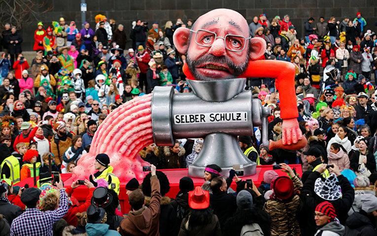 Глава немецкой партии социал-демократов Мартин Шульц сам себя проворачивает через мясорубку