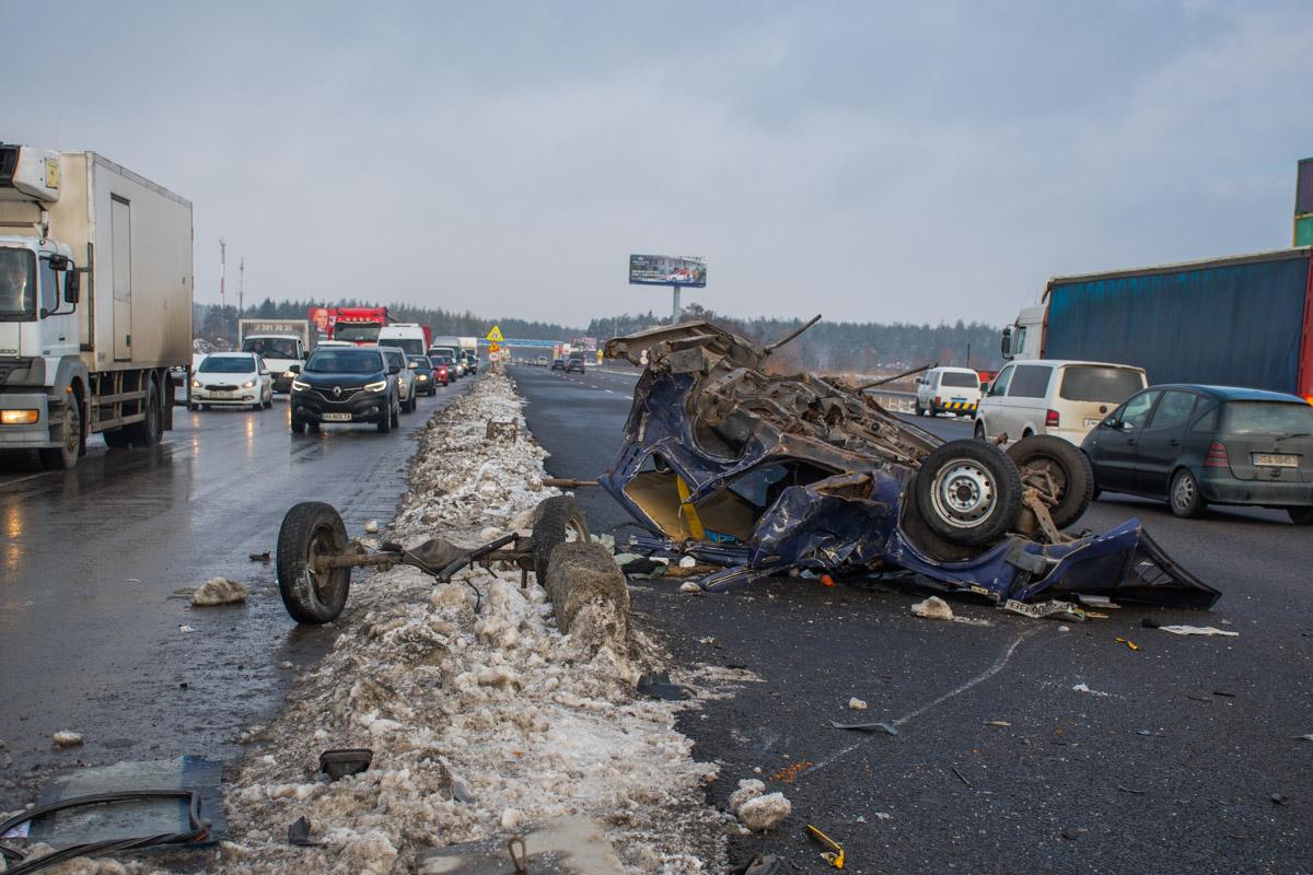 Смертельное ДТП под Киевом произошло сегодня утром